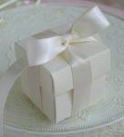 #EE01I - Ivory Favor Box
